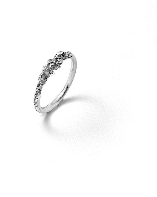 Bague mini roche argent Laura Guitte Jewellery