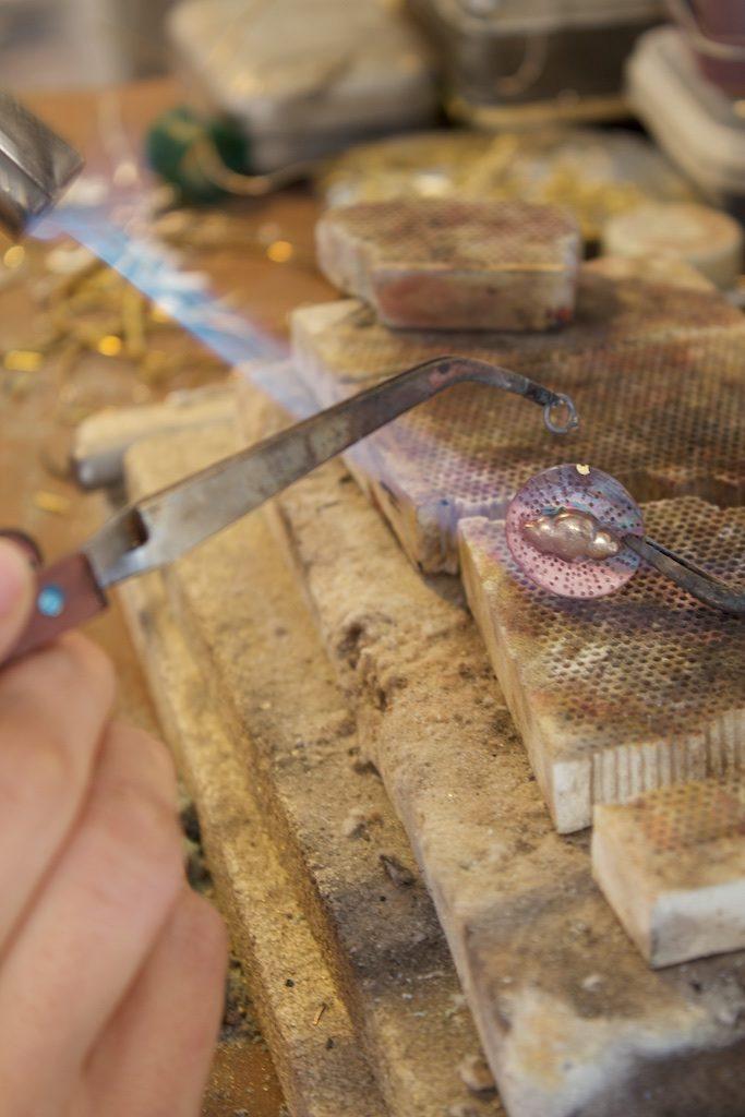 médaille atelier bijouterie lyon laura guitte